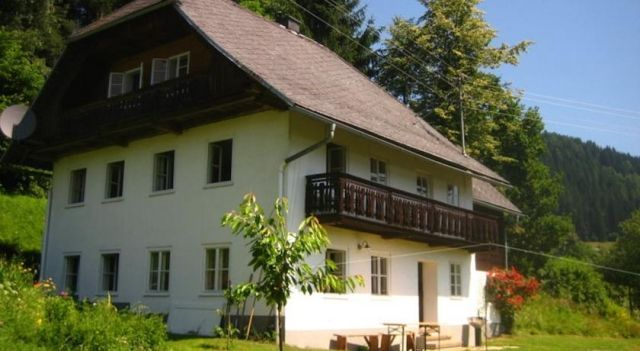 Ferienhaus Mesnerhaus Steuerberg - #VacationHomes - $148 - #Hotels #Austria #FeldkircheninKärnten http://www.justigo.biz/hotels/austria/feldkirchen-in-karnten/altes-mesnerhaus-steuerberg_45595.html