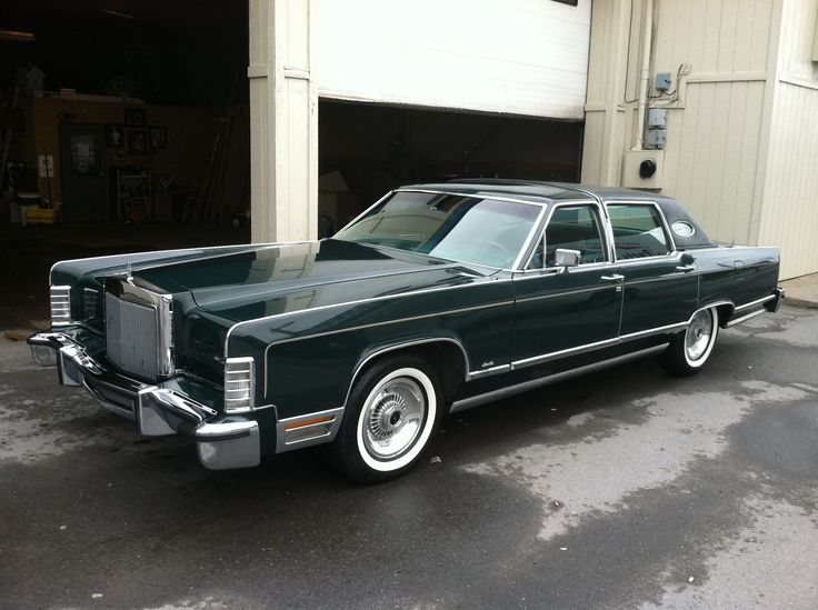 1978 lincoln towncar green crushed velvet interior old boats pinterest vinyls cars and. Black Bedroom Furniture Sets. Home Design Ideas