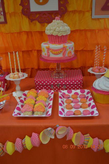 Cake and treats at a Cupcake Party #cupcake #partytreats