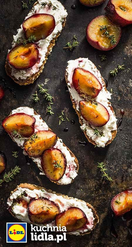 Chrupiące tosty z ricottą i śliwkami z tymiankiem. Kuchnia Lidla - Lidl Polska. #lidl #chrupiacezpieca