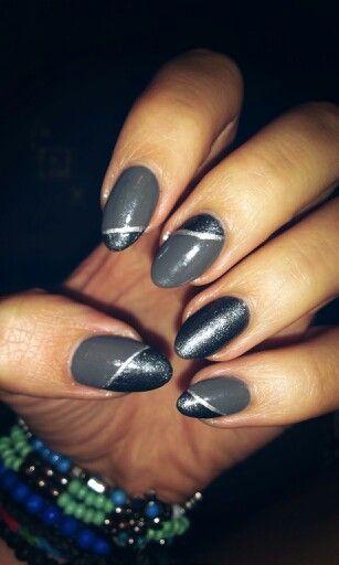 Grey and silver. / Szare, ze srebrem.