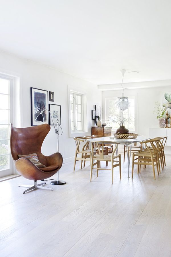 That chair! Cognac leather Arne Jacobsen Egg chair, dining room