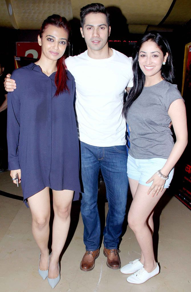 Varun Dhawan with Radhika Apte and Yami Gautam at a special screening of…