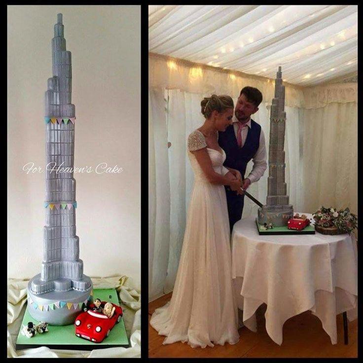 Burj Khalifa by Bobbie-Anne Wright (For Heaven's Cake) - http://cakesdecor.com/cakes/210422-burj-khalifa