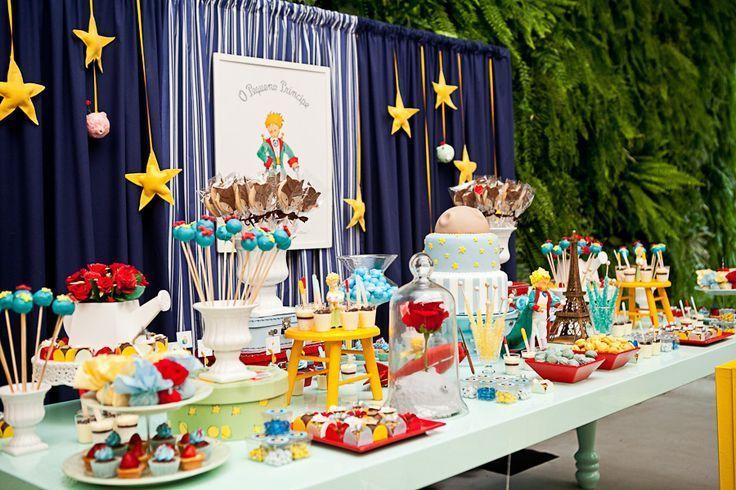 星と薔薇をモチーフに!『星の王子さま』がテーマの結婚式*にて紹介している画像