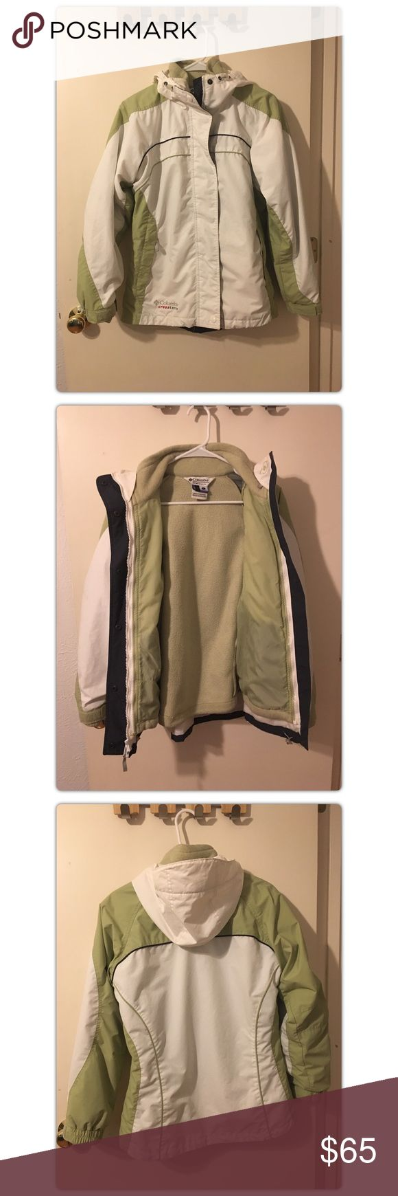 Columbia 3-in-1 Cross-Terra Coat Columbia 3-in-1 Cross-Terra Coat• Green and White• Size Small• 3 ways to wear• Shell can be removed from fleece• Hood• Zip pockets• There are a few tiny stains on the coat (Please see last photos_Stains are very faint and may come out at the cleaners)• Very Warm (Worn in Alaska)• Shell is water resistant• Columbia Jackets & Coats