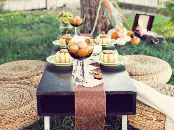 outdoor fall brunch party