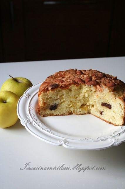 In cucina mi rilasso: Torta di mele ricca, in crosta di amaretto alle mandorle