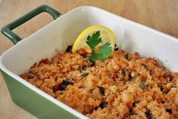 This easy recipe for baked scallops is also very elegant. The scallops turn out perfectly -- tender and succulent -- making it the ideal dish to serve at a dinner party.