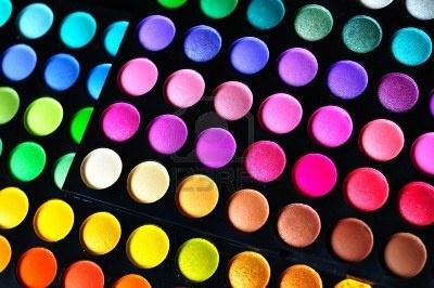 Tavolozze di ombretto colorato di make-up, come sfondo Archivio Fotografico