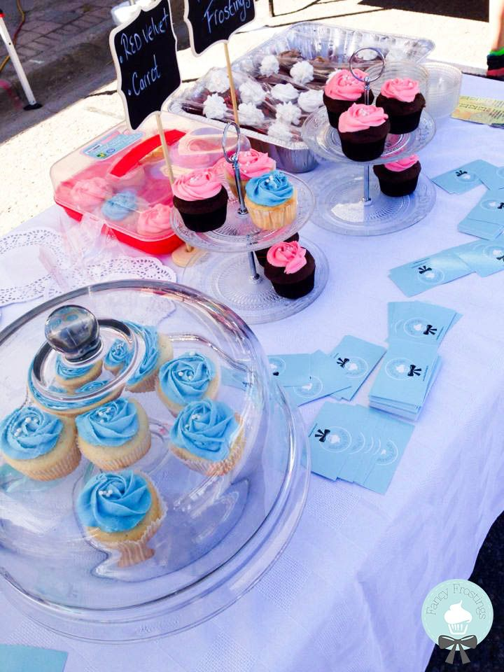 Fancy Frostings Cupcakes @ The Bolton Farmers' Market.