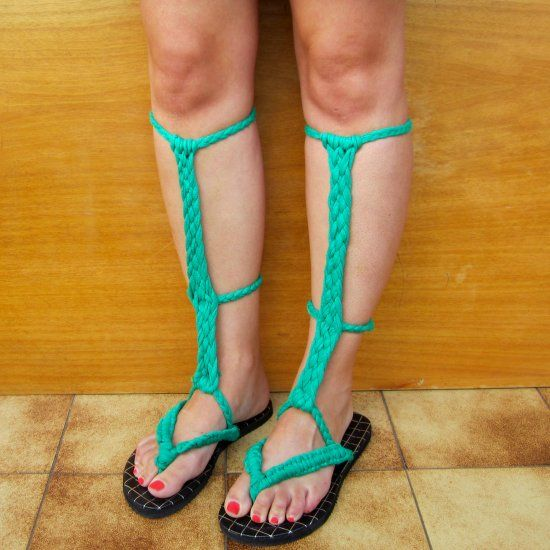 If you have a pair of boring flip-flops and some fabric yarn, you