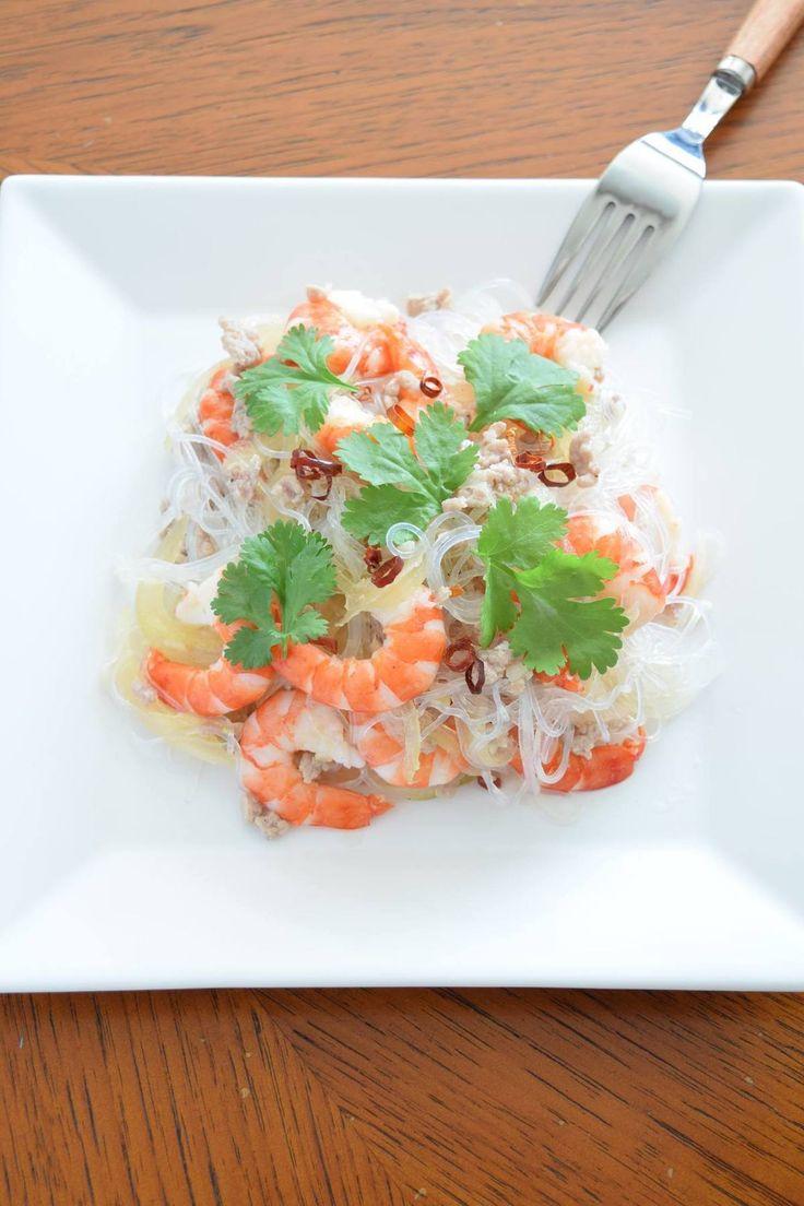 アジアン料理が好きな人にとっては、この季節に必ず食べたくなるのがヤムウンセン。パクチーの風味がたまらなく、病みつきになるサラダですが、意外にも自宅で簡単に作ることが出来ます。覚えておきたい夏レシピです。