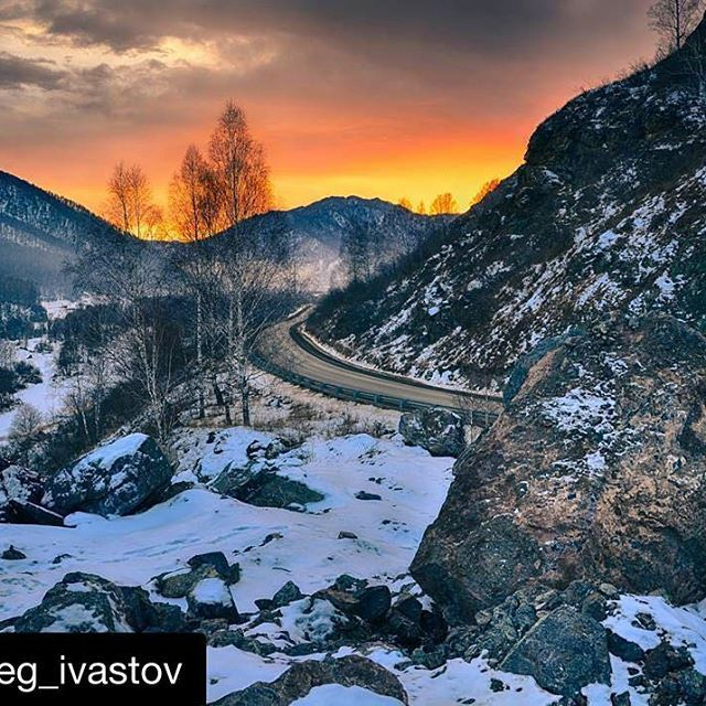 Это ли не прекрасно?  ====> Автор:  @oleg_ivastov ・・・ Закат в горах Алтая. ・・・ #Россия #путешествие #Сибирь #ялюблюсибирь #фото #фотограф #Алтай #landscap #курайскаястепь #natgeotravel #mountains #природа #путешествие #туризм #siberia #ilovesiberia #nature #photo #photography #photographer  #trevel #trip #adventure #sunset #отдых  #relax  #горныйалтай #горы #закат ・・・ Друзья, нам необходимо разработать логотип и новую обложку, предлагайте свои варианты в директ или размещайте у себя на…