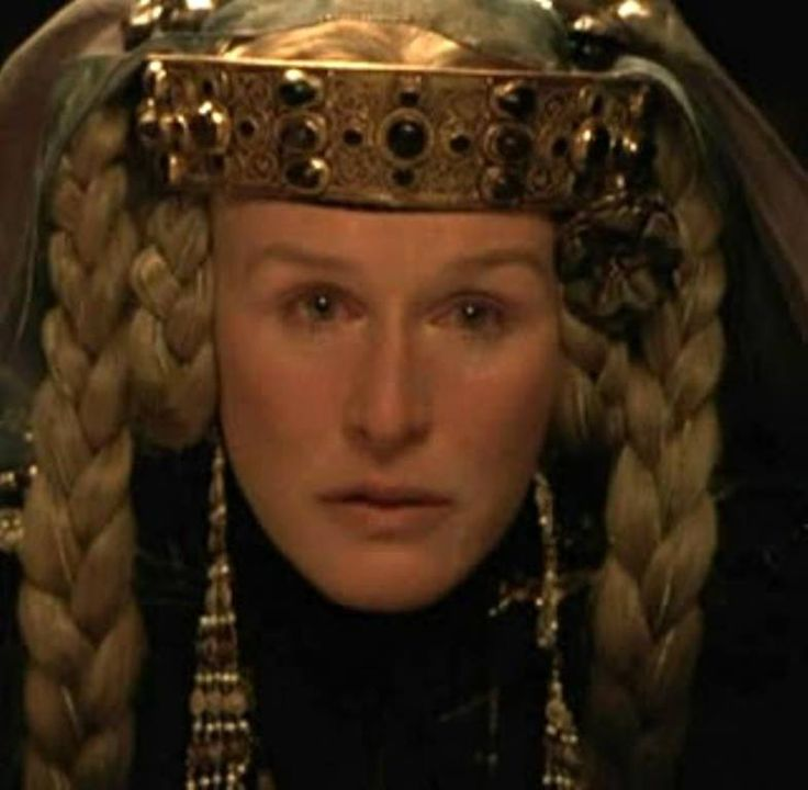 Hamlet. Franco Zeffirelli, 1990. La reina Gertrudis ...