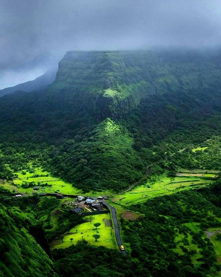 Go on a trekking trip to #Visapur Fort located in #Lonavala this monsoon. Here is Visapur fort shot from #Lahagad Fort.   #westernghats #unescoworldheritagesite #mountaineering #hiking #hillforts #trekking #forests #wildlife #history #planetearth #incredibleindia #monsoon #weather #marathaempire #agriculture #maharashtra #india #sahyadri #radiation #patterns #Travel #Aventure