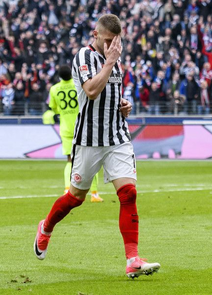 Ante Rebic Photos - Ante Rebic of Frankfurt celebrates the third goal for his team during the Bundesliga match between Eintracht Frankfurt and FC Augsburg at Commerzbank-Arena on April 22, 2017 in Frankfurt am Main, Germany. - Eintracht Frankfurt v FC Augsburg - Bundesliga