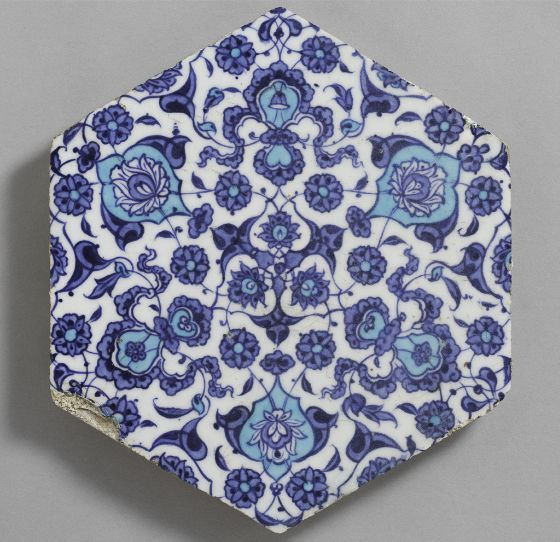 Hexagonal tile with floral and cloud pattern, c. 1530