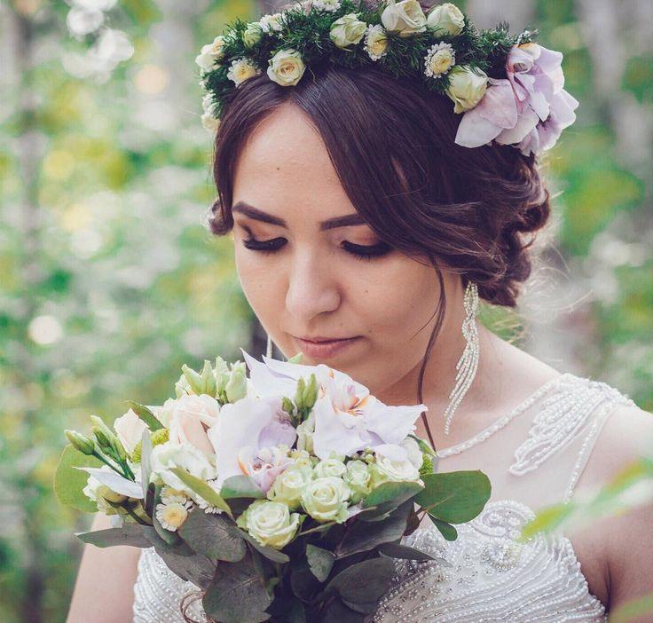 Как же мне нравится,когда невеста продумывает свой свадебный образ до мелочей.Результат потрясающий!Свадебный макияж в спокойных оттенках ,но достаточно интенсивный-именно таким должен быть макияж для невесты Hair Натали Бутусова MUA Федина Яна #макияж#макияжглаз#макияжновокуйбышевск#свадебныймакияж#невеста#новокуйбышевск#косметика#самара#ФединаЯна#mua#makeup#makeupaddict#makeupartist#instamakeup#follow4follow#like4like#samara#novokuibyshevsk#wedding#weddingmakeup#eyes#lipstick#FedinaYana…