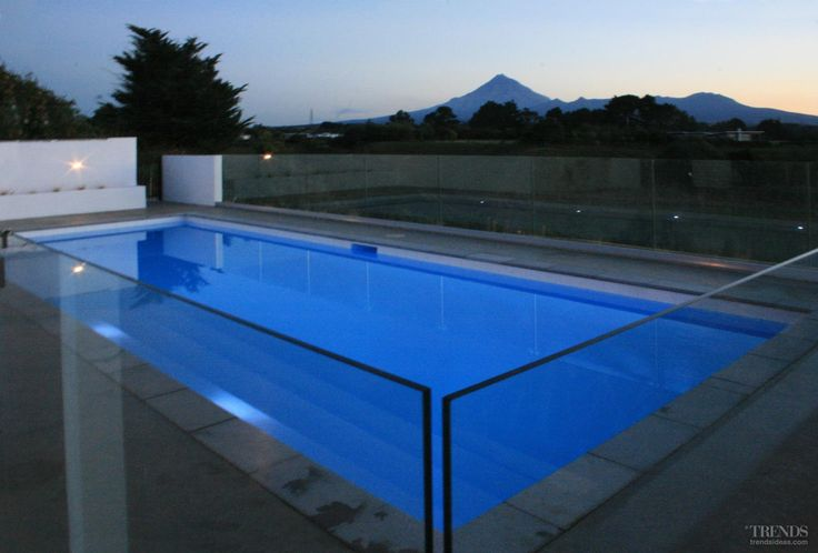 Swimming Pool by Mayfair Pools