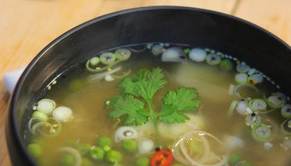 Vietnamese rijstsoep met kabeljauw
