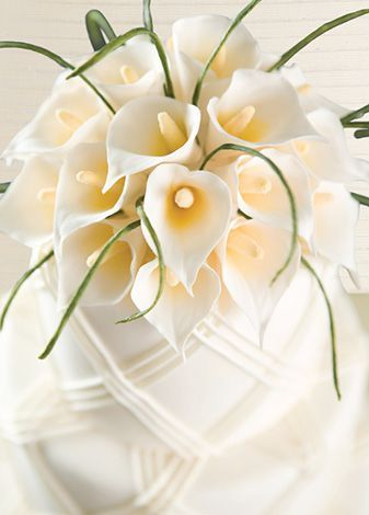 MarkJosephCakes -- cala lily!! One of the most beautiful cakes I've seen!