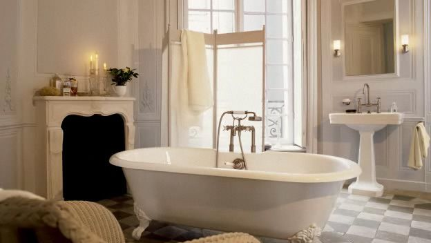 A beautiful period style bathroom retreat is the perfect place to spend an afternoon. This room is elegant and cosy.
