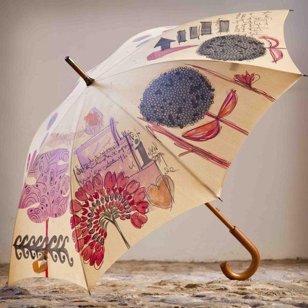 Y para esos días de lluvia ... un paraguas tan exclusivo como tu <3