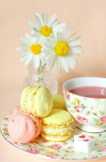 Tea & Macaroon Time