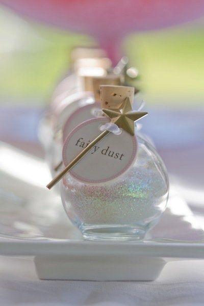 Adorable party favor idea! Parents would probably hate the clean up though.