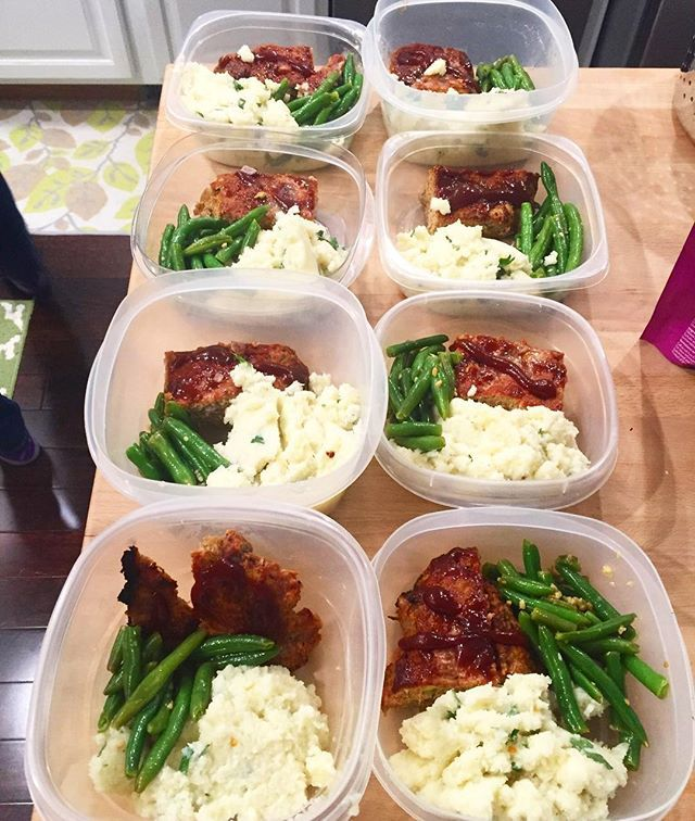 Pin for Later: 21 Simple Meal Prep Combinations Anyone Can Do Turkey Meatloaf + Creamed Cauliflower + Garlic String Beans