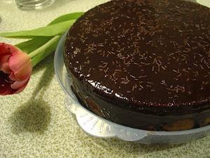 O Bolo de Chocolate mais Fácil e Rápido