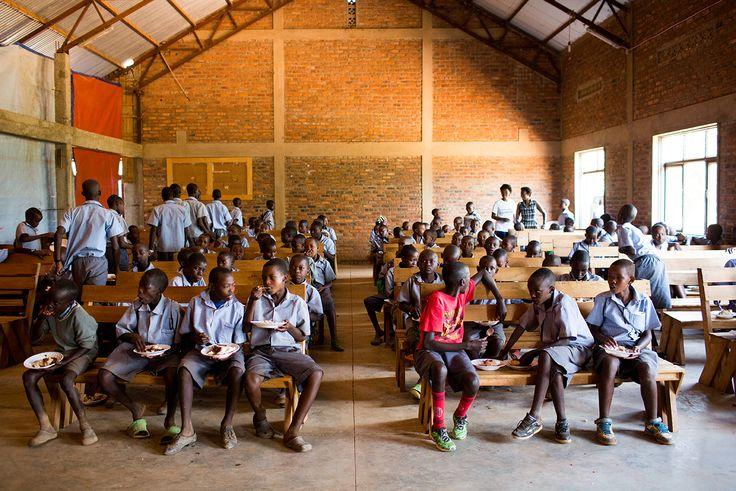 Enjoy lunch at the school in #Rwanda (Photo credit: Esther Havens)