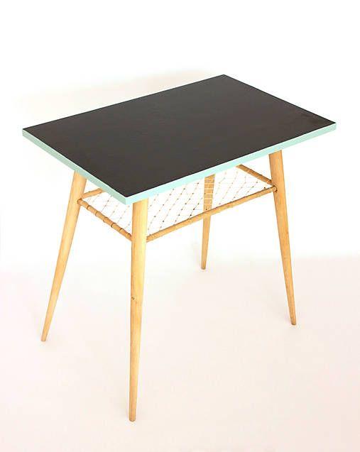 retro-design / Retro stolík s výpletom
