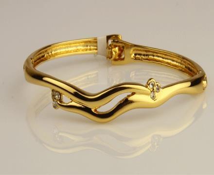 ► ► Designer fashion bracelets for women
