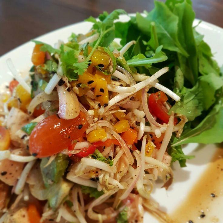 Chicken Avocado Rocket Sweet Pepper & Bean Sprouts Salad Sesame Dressing #TheMaiKhaoLife #RenPhuket