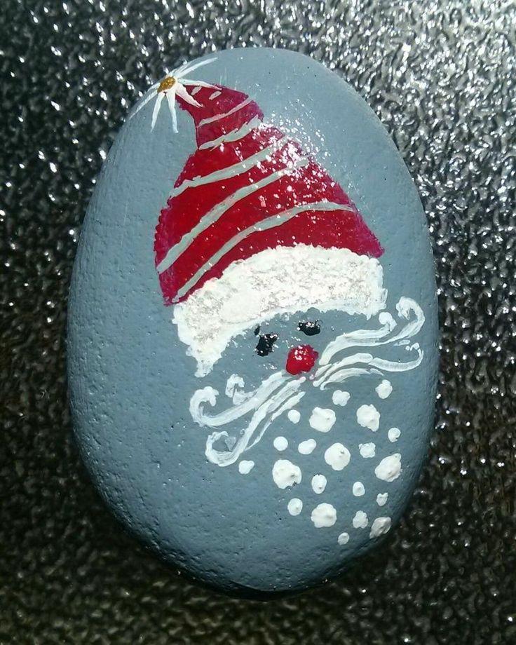 Best DIY Christmas Painting Rocks Design (60)
