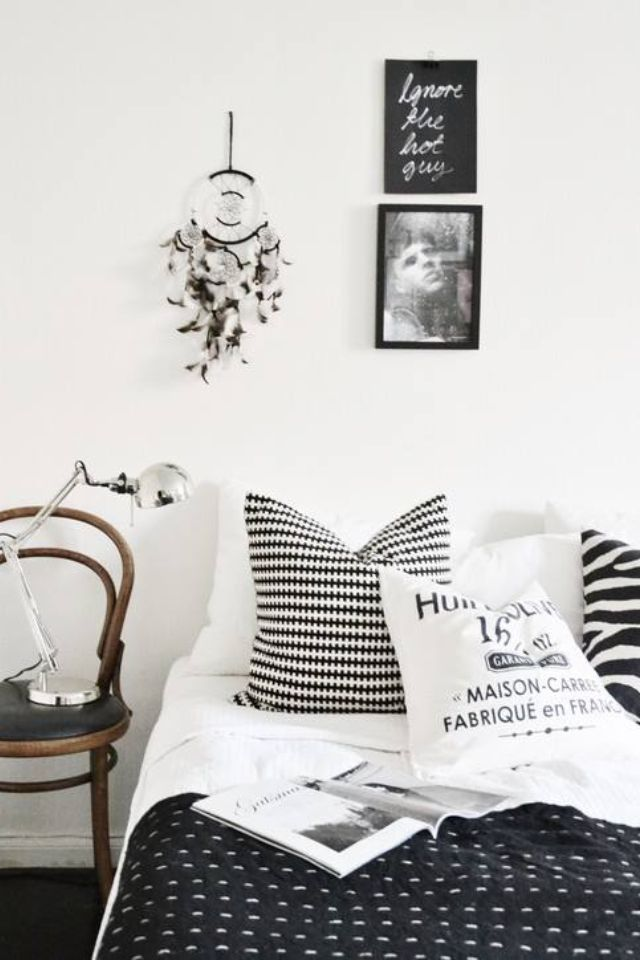 Black And White Bedroom Decor Brilliant Review