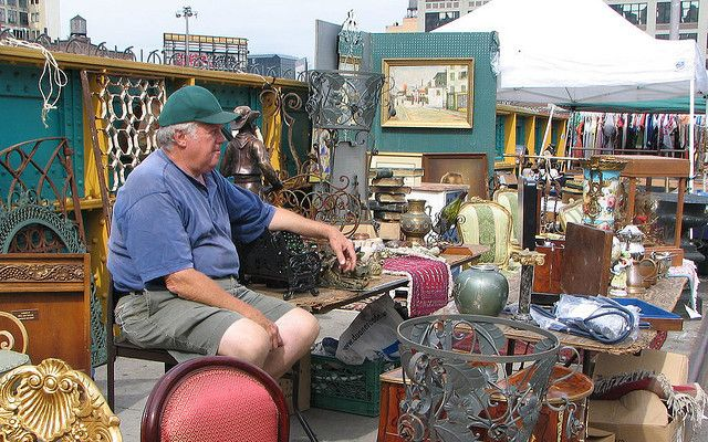 A Fun and Low-Cost Business: Selling at Flea Markets