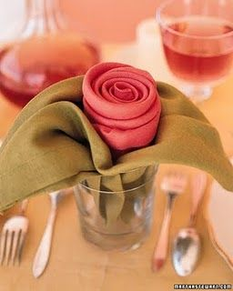 Easy-to-do flower with napkins.