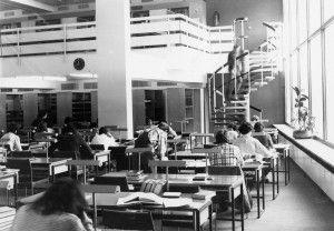 Bibliothek Zweigstelle. Foto: Universitätsarchiv Leipzig.  Alumni