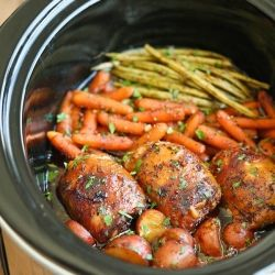 Slow Cooker Honey Garlic Chicken and Veggies - The easiest one pot recipe ever. Simply throw everything in and that