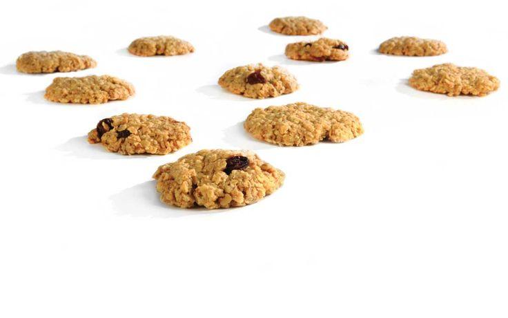 Havrekjeks med Cocosa Extra Virgin, søtet med enten Steviosa pulver eller sukker. Full oppskrift: http://www.soma.no/oppskrifter/bakverk/havrekjeks/