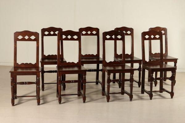 Gruppo otto sedie rocchetto, schienale a giorno, seduta in legno.