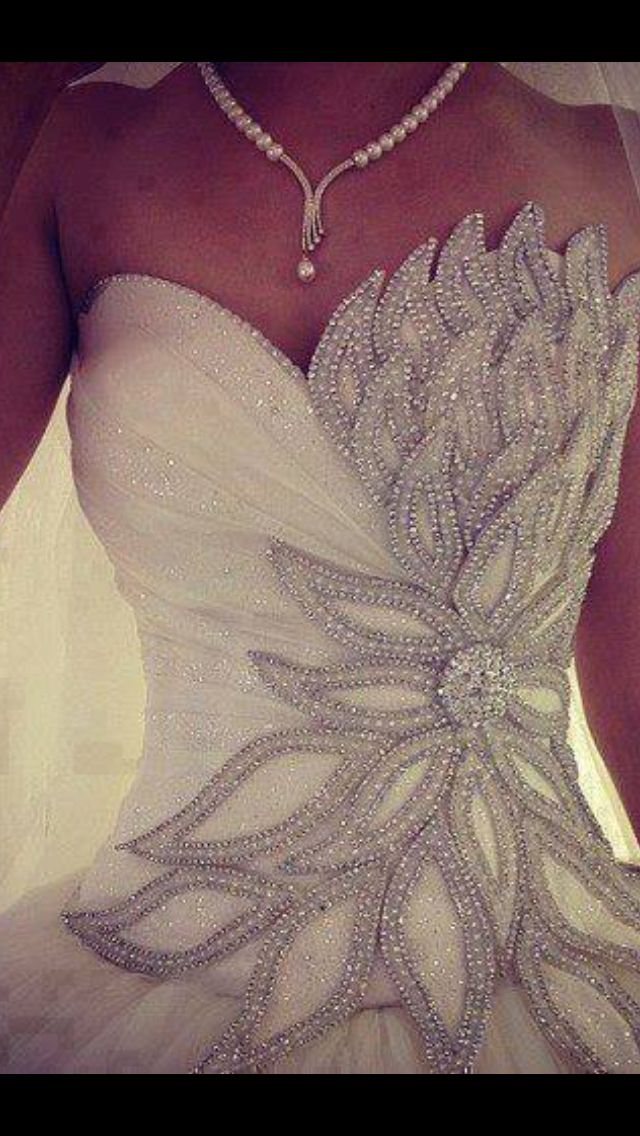 Wedding dress - Exquisite  THIS. IS. THE. ONE. I. WANT.