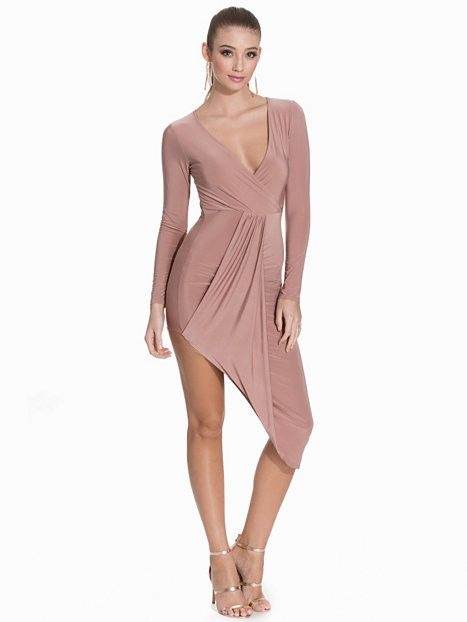 Vestido rosa de manga larga