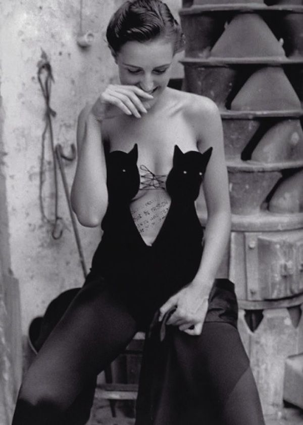 Helmut Lang cat bustier bodysuit. Photographed by William Claxton for Vogue Paris, November 1989.