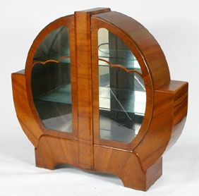 Art deco furniture. Who makes stuff that looks like this nowadays??? No one lol this is awesome