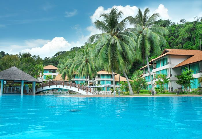 Staying at Kuala Lumpur Hotel is a wonderful moment for the tourists because they can enjoy the luxury in great style.