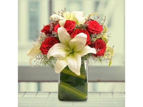 #FlowersDeliveryInGreaterNoidaOnline https://www.giftcarry.com/send-flowers-delivery-in-greater-noida